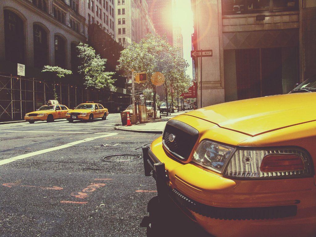 タクシーとの衝突事故