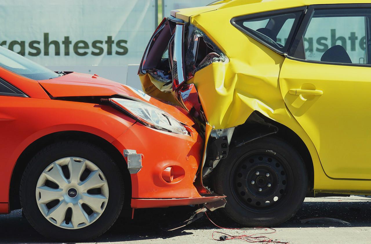 追突による交通事故
