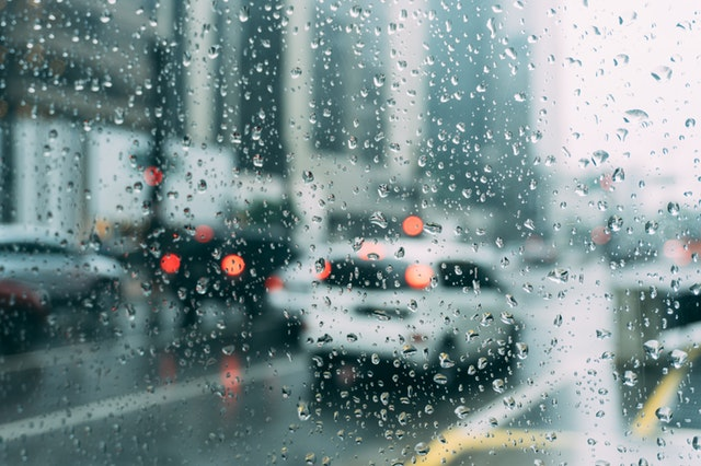雨の日の運転